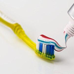 éliminer la plaque dentaire