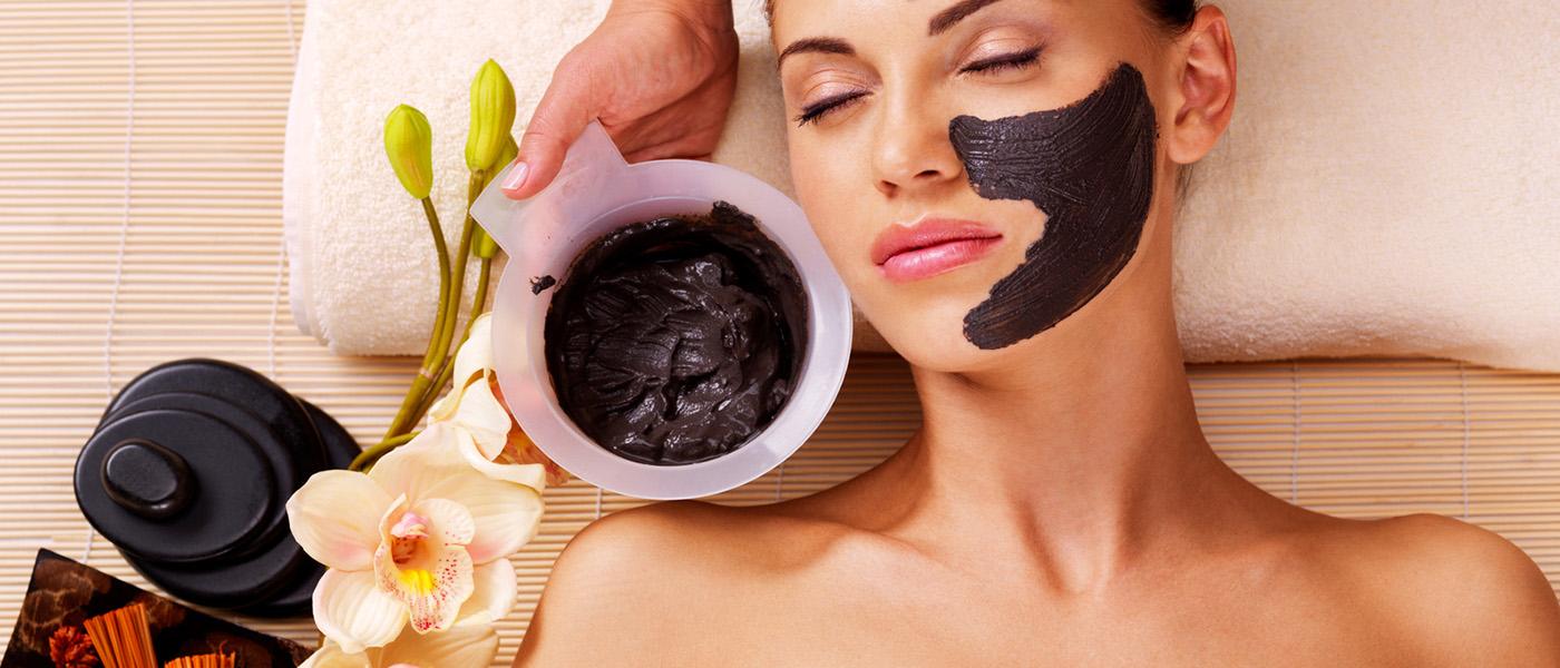 huile essentielle sur le visage
